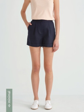 Front Pleated Linen Blend Short in Navy Blazer